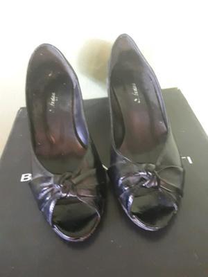 Stilettos negro número 36