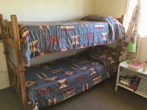 camas cuchetas desmontables de madera en muy buen estado