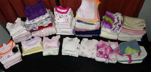 Lote 106 prendas y 18 zapatitos de beba