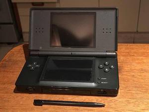 Nintendo Ds Lite Negra Con Estuche Y R4 En Perfecto Estado!