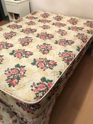 Sommier y colchón de dos plazas