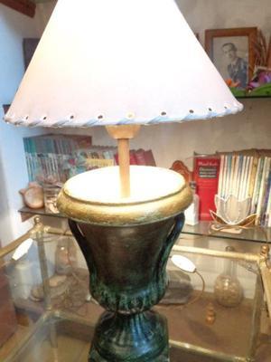 Antiguas lámparas de mesa. Antigua Saudade