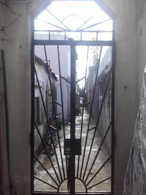 Puerta dos hojas antigua muy buen estado