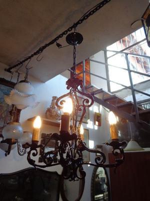 Antigua araña provenzal de hierro. Antigua Saudade