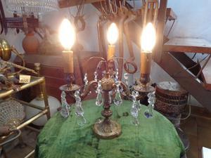 Antigua lámpara de mesa. Antigua Saudade