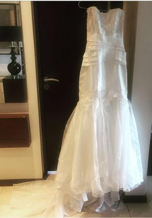 Vendo vestido de novia exelente estado