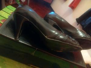 Zapatos con taco negro talle 38