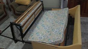 Sillón cama de Chenile, elástico en hierro y madera