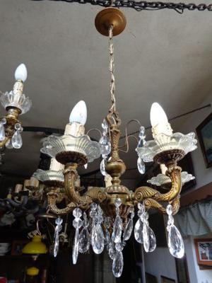Antigua araña bronce macizo con caireles. Antigua Saudade