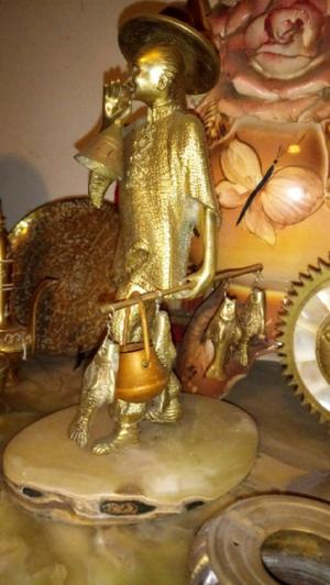 Antigua figura oriental de bronce macizo pescador 24cm alto