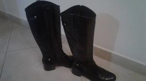 Vendo botas caña alta color negro