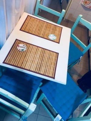 Vendo juego de mesa y 4 sillas estilo vintage