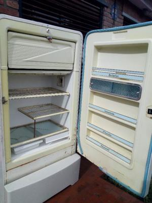 """Vendo heladera antigua estilo Vintage """"PORCHIETTO"""""""
