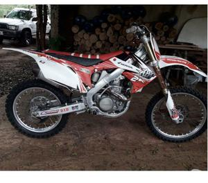 vendo crf 250 impecable