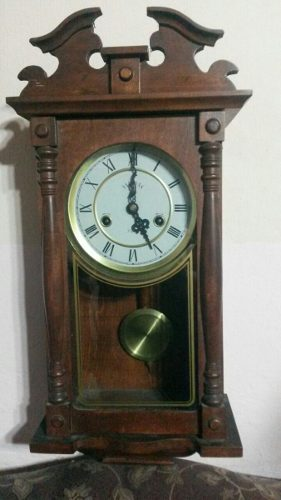 Reloj Antiguo De Pared Con Péndulo
