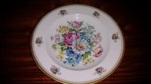 Platos decorados de porcelana antiguos