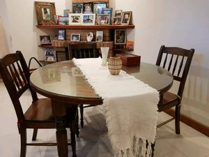 Juego de comedor con 6 sillas en Paraíso Misionero +