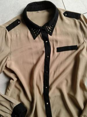 VENDO CAMISA COLOR NEW CON DETALLES EN COLOR NEGRO Y TACHAS