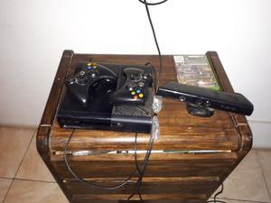 Vendo Xbox 360 Super Slim +Kinect+3 controles + 7 juegos