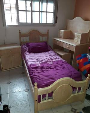 Vendo juego dormitorio de nena
