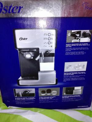Vendo CAFETERA automatica OSTER..SIN USO...en su caja