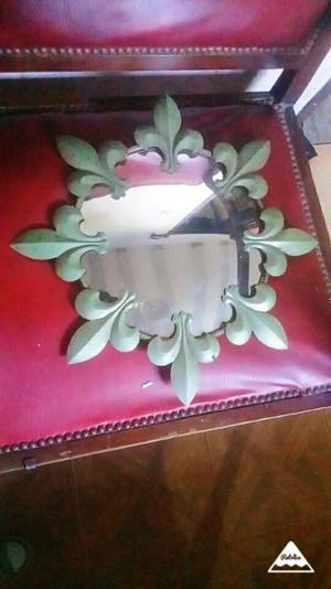 Antiguo espejo oval