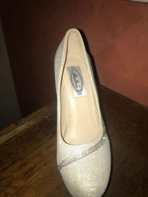 Zapatos de fiesta con sobre