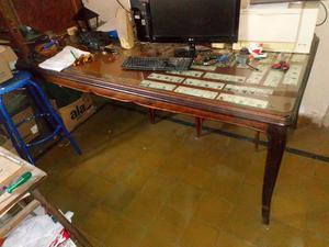 Antigua mesa estilo luis XV