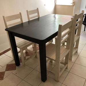 Mesa + 4 sillas a restaurar