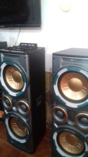 Vendo torres de musica nuevas en caja