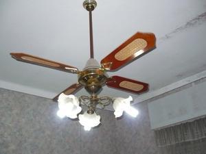 Aplique de 3 luces con ventilador