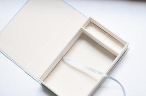 Caja Para Fotos Y Espacio Para Pendrive (15x22)