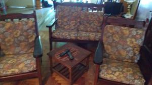 Importante juego de sillones de algarrobo