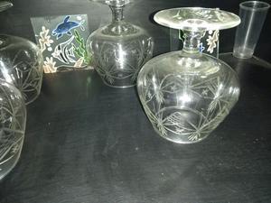 Todo de cristal vasos con relieve de oro