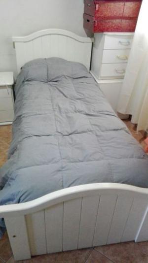 Vendo cama, prácticuna,chifonier y mesa de luz