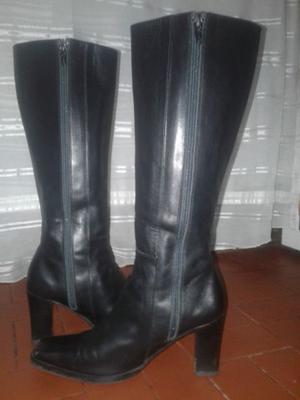 Vendo botas negras