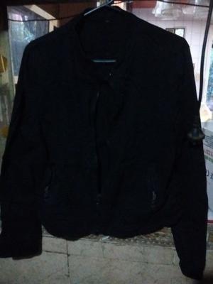 campera negra de gabardina S 200