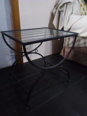 Mesa ratona de hierro forjado