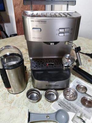 CAFETERA EXPRESSO MOD. EM220 + MOLINILLO