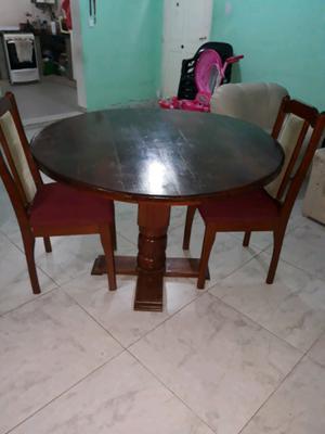 Urgente vendo mesa y 2 sillas