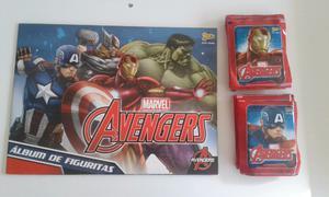 Vendo lote de 50 sobres llenos de figuritas de Avengers