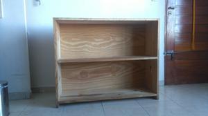 Biblioteca/Modular de Pino