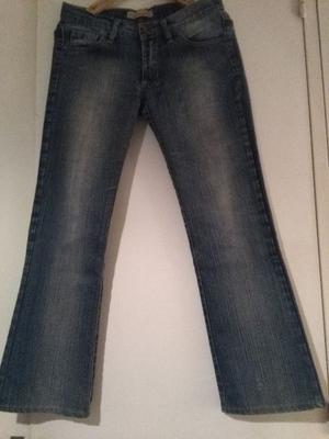 Vendo Jeans Ricky Sarkany $500.