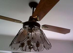 Ventilador de techo con araña de 4 luces, bronce y vidrio