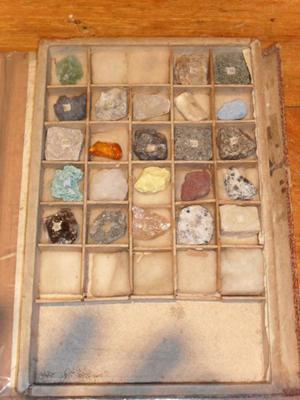 Antigua Coleccion De Minerales Y Rocas Con Caja Muestrario