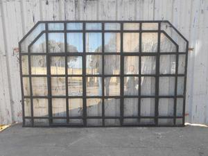 Antigua ventana de hierro tipo mampara con guarda 226x144cm
