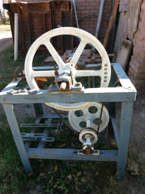 Maquina tejedora de alambre