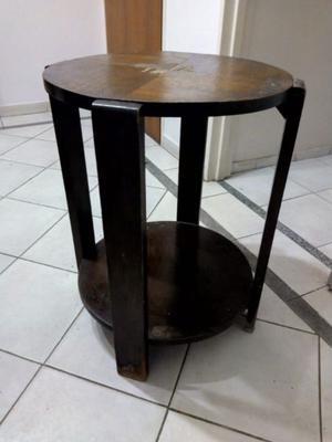 Mesa circular de madera. Muy buen estado.