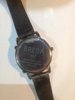 Reloj de hombre marca Breda, malla de cuero y resistente al