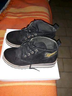 Vendo botas de gamuza